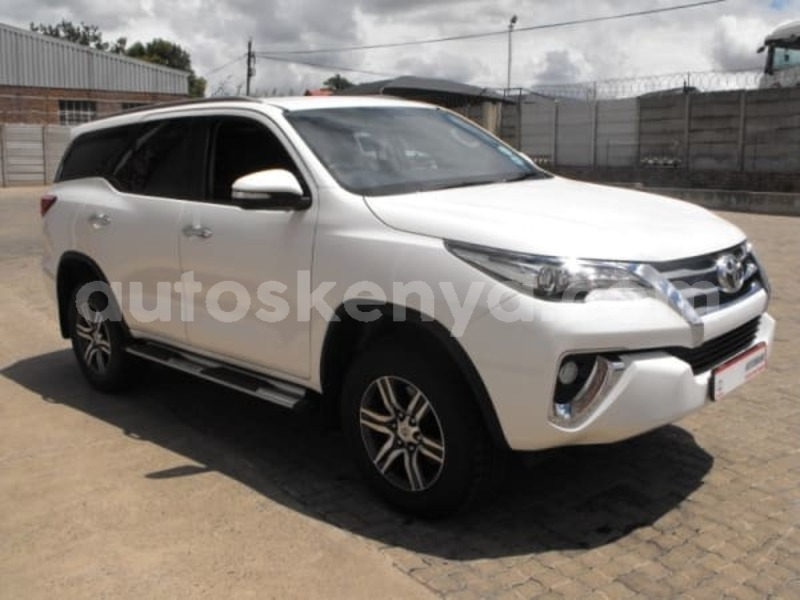 Big with watermark 2016 toyota fortuner b