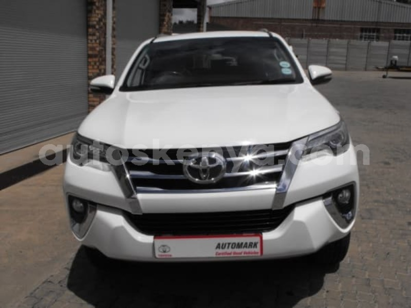 Big with watermark 2016 toyota fortuner c