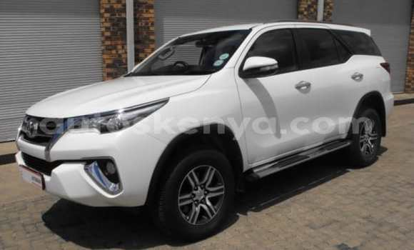 Medium with watermark 2016 toyota fortuner a