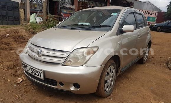 Buy Used Toyota IST Brown Car in Nairobi in Nairobi