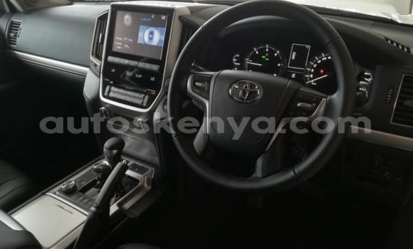 Buy Used Toyota Land Cruiser White Car in Nairobi in Nairobi