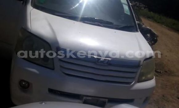 Buy Used Toyota Noah White Car in Nairobi in Nairobi