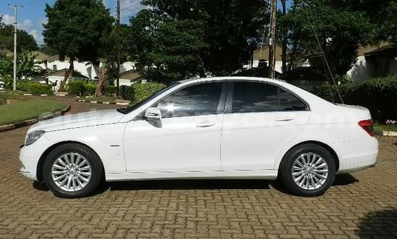Buy Used Mercedes Benz C–Class White Car in Nairobi in Nairobi