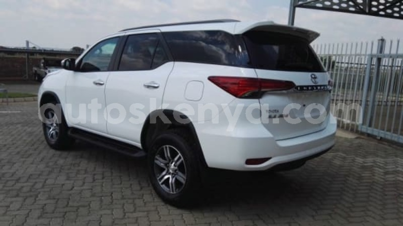 Big with watermark 2018 toyota fortuner 4