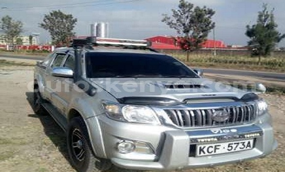 Buy Used Toyota Hilux Silver Car in Nairobi in Nairobi