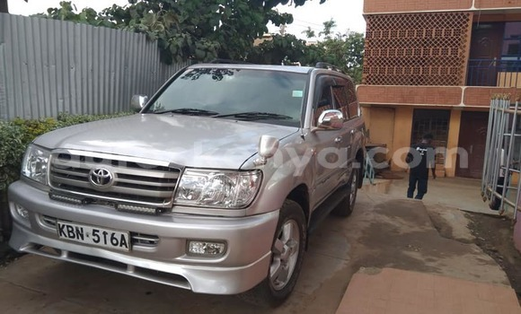 Buy Used Toyota Land Cruiser Silver Car in Nairobi in Nairobi
