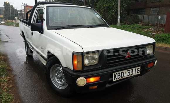 Buy Used Mitsubishi L400 White Truck in Nairobi in Nairobi