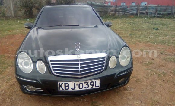 Buy Imported Mercedes Benz E–Class Black Car in Nairobi in Nairobi