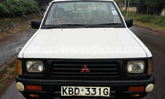 Buy Imported Mitsubishi L200 White Car in Nairobi in Nairobi