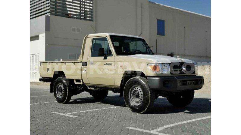 Big with watermark toyota land cruiser central kenya import dubai 12566