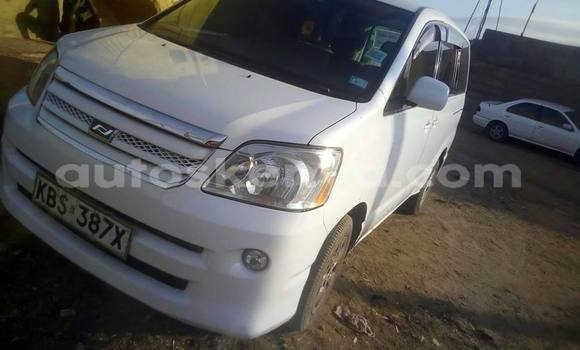 Buy Used Toyota Noah White Car in Nairobi in Nairobi