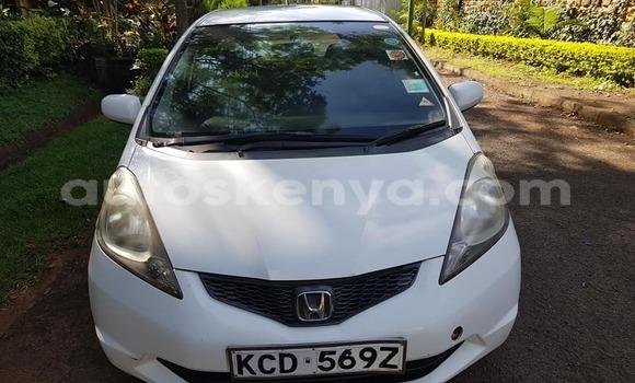 Buy Used Honda Fit White Car in Kiambu in Central Kenya