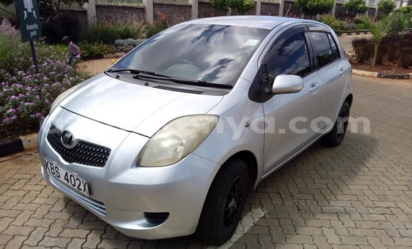 Buy Used Toyota Vitz Silver Car in Kiambu in Central Kenya