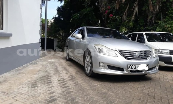 Buy Used Toyota Crown Silver Car in Mombasa in Coastal Kenya