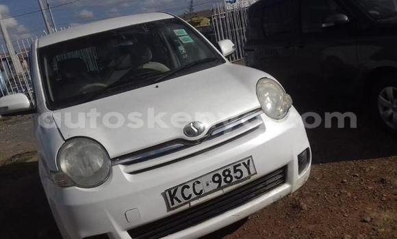Buy Used Toyota Sienta White Car in Kiserian in Nairobi