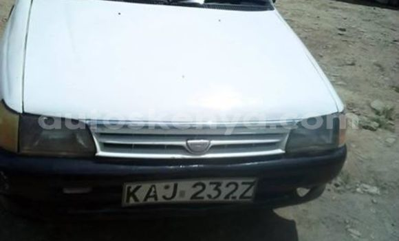 Buy Used Toyota Starlet White Car in Nairobi in Nairobi