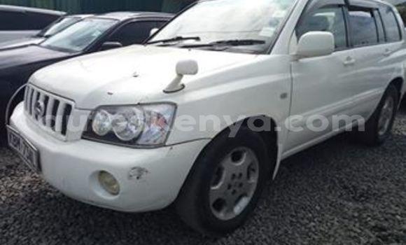 Buy Used Toyota Kluger White Car in Nairobi in Nairobi