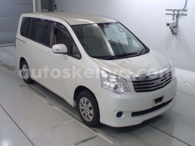 Big with watermark noah white zrr70g 2012
