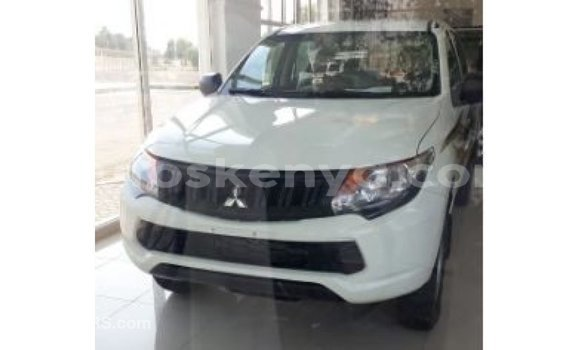 Buy Import Mitsubishi L200 White Car in Import - Dubai in Central Kenya
