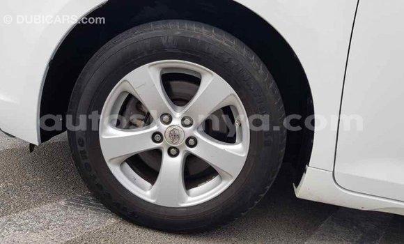 Buy Import Toyota Sienna White Car in Import - Dubai in Central Kenya