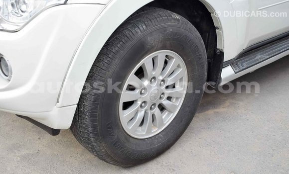 Buy Import Mitsubishi Pajero White Car in Import - Dubai in Central Kenya