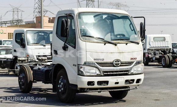 Buy Import Hino 300 Series White Truck in Import - Dubai in Central Kenya