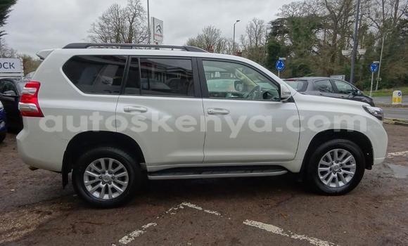 Buy Used Toyota Land Cruiser Prado White Car in Nairobi in Nairobi