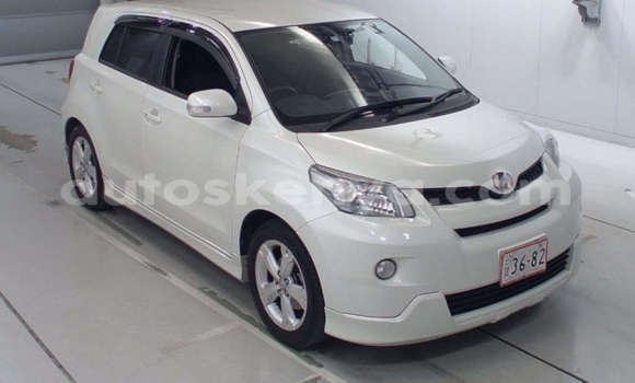 Buy Used Toyota IST White Car in Mombasa in Coastal Kenya