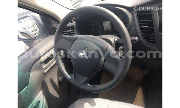 Buy Import Mitsubishi L200 White Car in Import - Dubai in Central Kenya