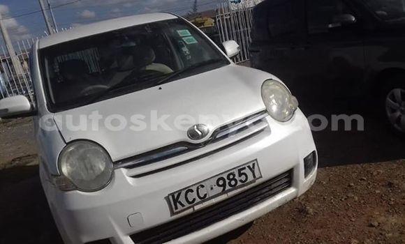 Buy Used Toyota Sienta White Car in Kiserian in Nairobi