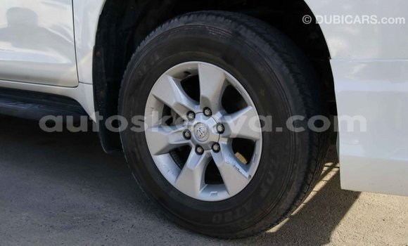 Imported Toyota Prado White Makiinaa iti Import - Dubai keessatti Central Kenya keessatti