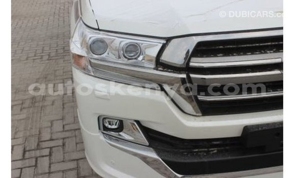 Buy Import Toyota Land Cruiser White Car in Import - Dubai in Central Kenya