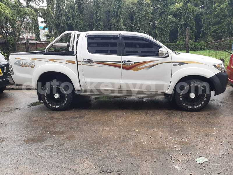 Big with watermark toyota hilux coastal kenya mombasa 7160