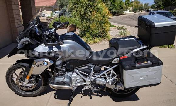 Medium with watermark bmw r 1200 nairobi nairobi 7260
