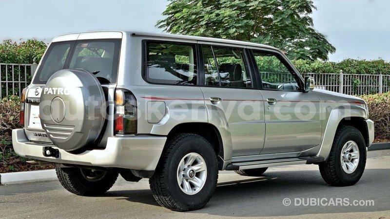 Big with watermark nissan patrol central kenya import dubai 10218