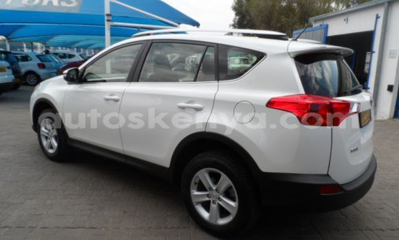 Medium with watermark 2013 toyota rav 4 d