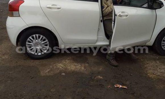 Buy Used Toyota Vitz White Car in Nairobi in Nairobi