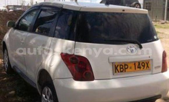 Buy Used Toyota IST White Car in Nairobi in Nairobi