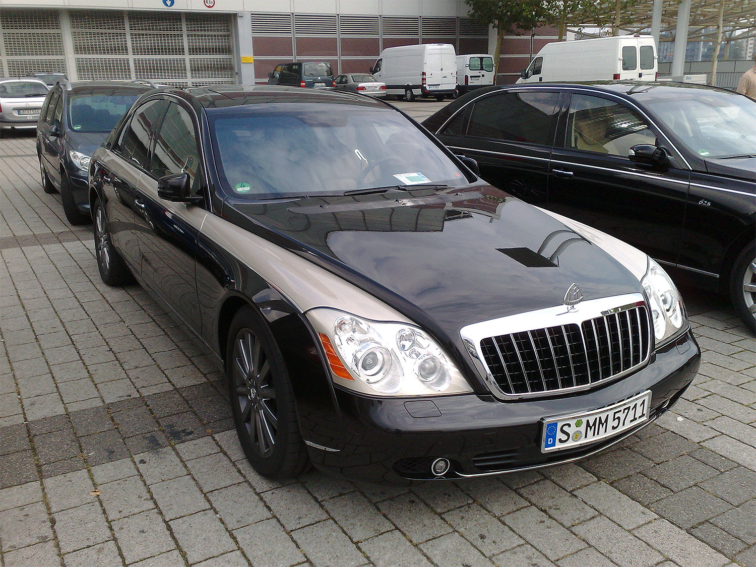 Maybach 62s zeppelin